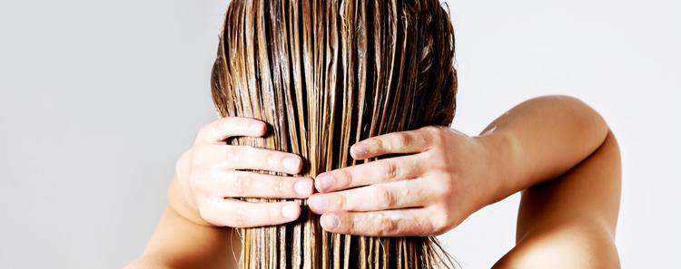 Duỗi tóc xong thì 3 ngày sau mới được gội đầu. 5 - 7 ngày mới được sử dụng dầu gội và dầu xả tóc.