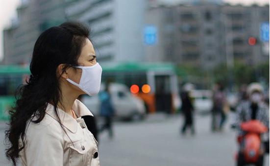 Da đầu, nang tóc, tóc là nơi cơ thể ta tiếp xúc trực tiếp và nhiều nhất với ô nhiễm từ không khí .